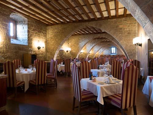 カルドナのパラドールのレストラン