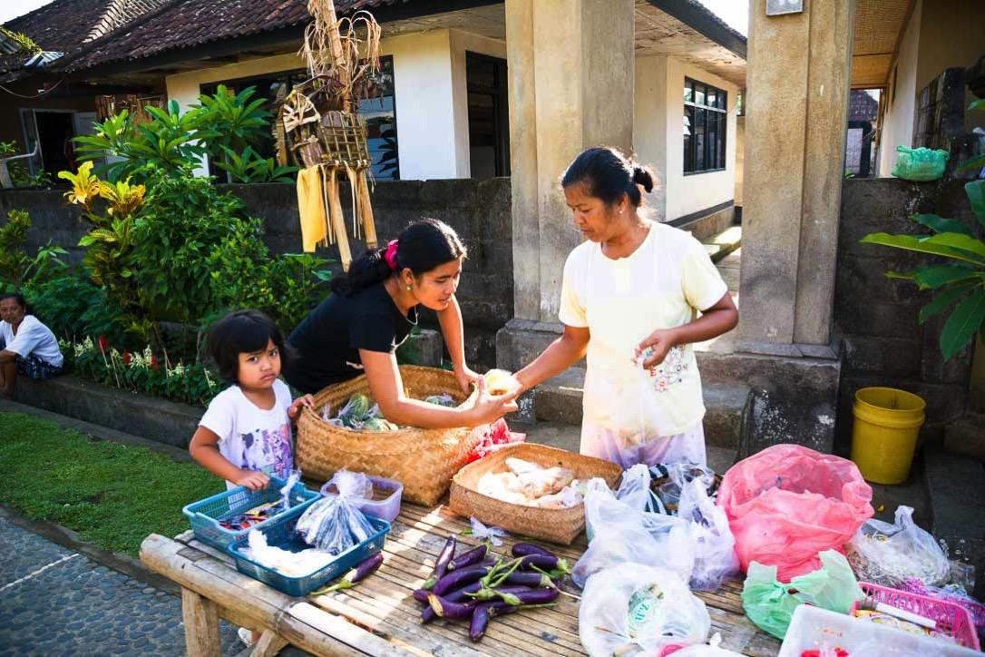 プンリプラン村の市場